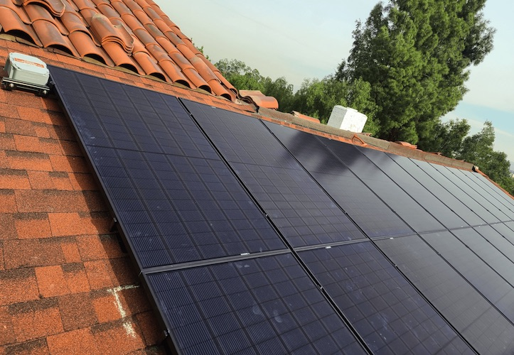 new roof comp under array forme solar